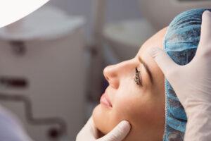 Come scegliere il chirurgo estetico